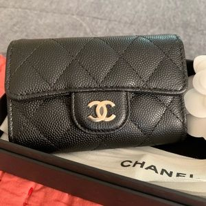 19B Chanel O-Key Holder in Cavier